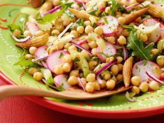 kichererbsen salat mit passionsfrucht vinaigrette