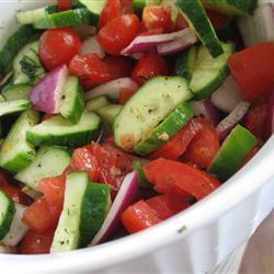 knackiger gurkensalat mit tomaten und dilldressing rezepte suchen. Black Bedroom Furniture Sets. Home Design Ideas