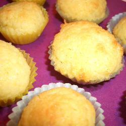 kokosmakronen mit weißer schokolade