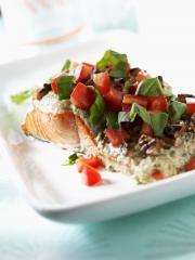 lachsfilet aus dem ofen mit basilikum risotto in tomaten