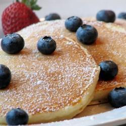 lockere amerikanische pfannkuchen zum frühstück