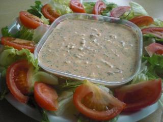 low carb salat mit ei und thunfisch dressing