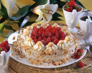 macadamia buttercreme torte