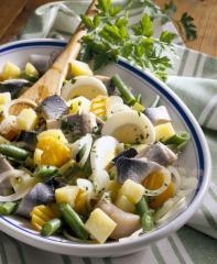 matjes salat mit zuckererbsen