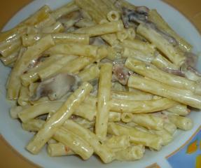 nudelpfanne mit speck und champignons
