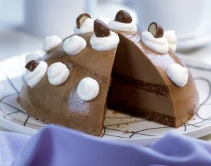nuss nougat torte mit zucker und schokoladeneiern