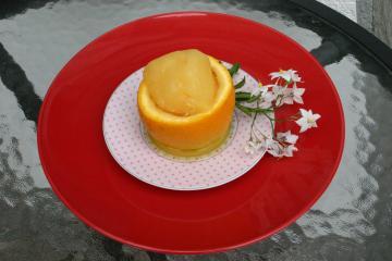 orangensorbet mit einem strahl grand marnier