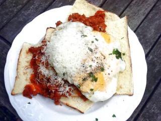 pane frattau sardisches hirtenbrot mit tomatensugo