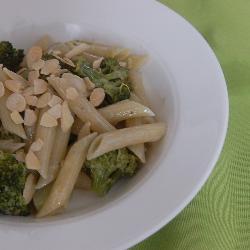 pasta mit brokkoli gorgonzola sauce