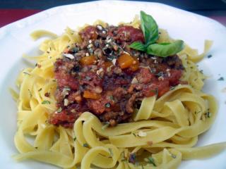 pasta mit sauce bolognese
