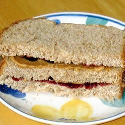 peanut butter jelly sandwich brot mit erdnussbutter und marmelade