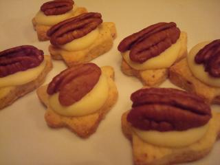 pecan nuss plätzchen mit weißer schokolade
