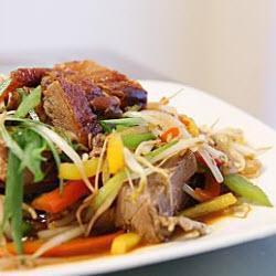 pfannengerührte chinesische ente mit paprika