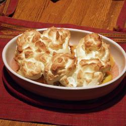 pfirsiche mit marzipan und baiserhaube