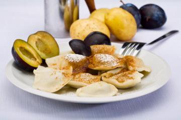 pflaumenravioli mit kartoffelteig