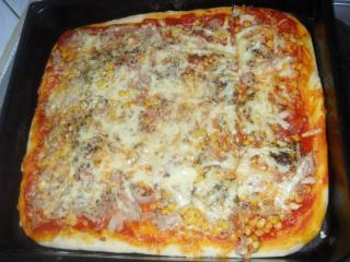 pizza mit gemischtem belag