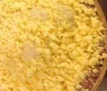 pizza mit käse gefülltem rand