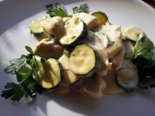 putengeschnetzeltes mit zucchini
