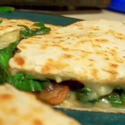 quesadilla mit spinat und pilzen