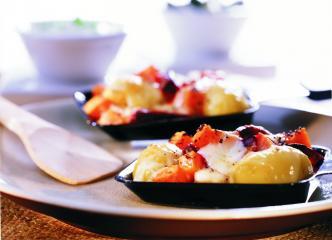 raclette mit roter bete kürbis und mohn