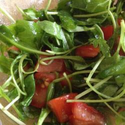 rucola salat mit tomaten