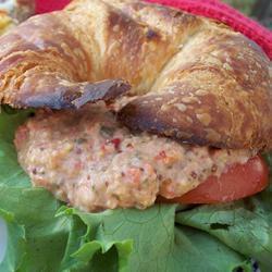 salat aus weißen bohnen mit thunfisch und kapern