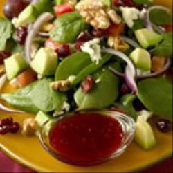 salat mit blauschimmelkäse und balsamico dressing
