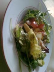 salat mit putenschnitzel streifen