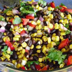 salat mit schwarzen bohnen und mais