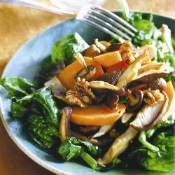 salat mit süßkartoffeln und shiitakepilzen