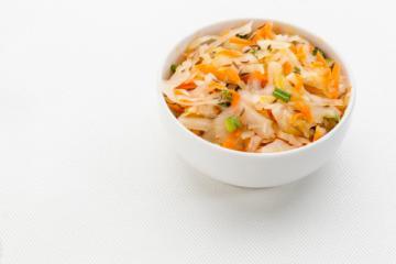 sauerkraut zwiebel salat