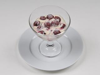 schattenmorellen im glas geschichtet mit weißweinbuttercreme