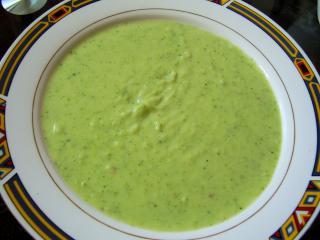 schnelle broccolicremesuppe