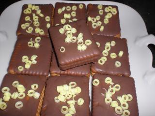 schnelle kekstörtchen mit weißer schokolade