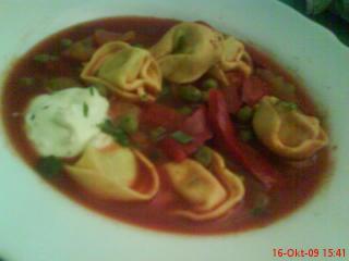 schnelle letscho suppe mit tortellini