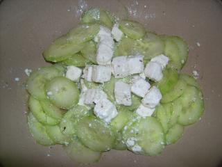 schneller gurken schafskäse salat