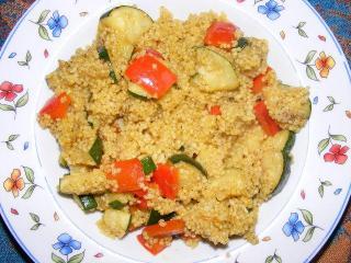 schnelles couscous mit zucchini und paprika