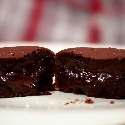 Johann lafer schokoladenkuchen mit flussigem kern