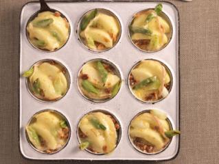 schweizer raclette mit honig und Äpfeln