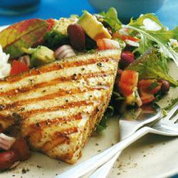 schwertfischsteaks mit mexikanischem salat
