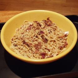 spaghetti mit gorgonzola und karamellisierten zwiebeln