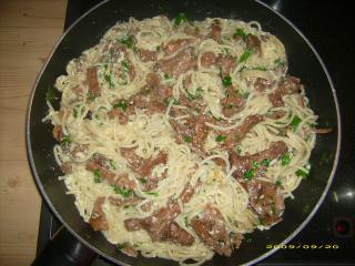 spaghettipfanne mit pfifferlingen