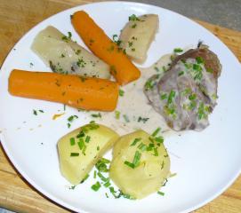 tafelspitz aus wien mit schnittlauchsosse und bouillonkartoffeln