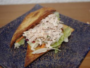 thunfisch sandwich aus tortillachips fingerfood