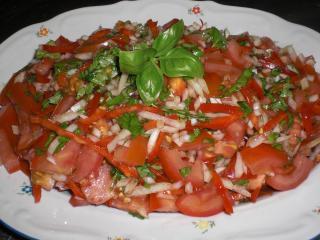 tomaten basilikum salat mit minze
