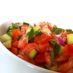 tomaten gurken salat mit minze