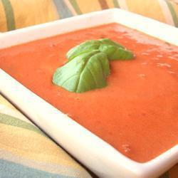 tomatencremesuppe mit basilikum