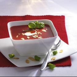 tomatencremesuppe mit mascarponecreme und mandeln