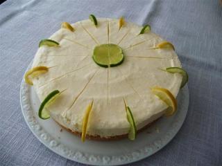 torte mit zitronenmousse