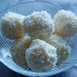 trüffel aus weißer schokolade und kokosnuss